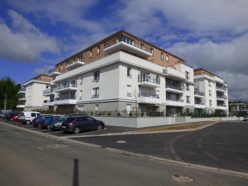 Appartement à louer 1 33m2 à Verneuil-sur-Seine vignette-1