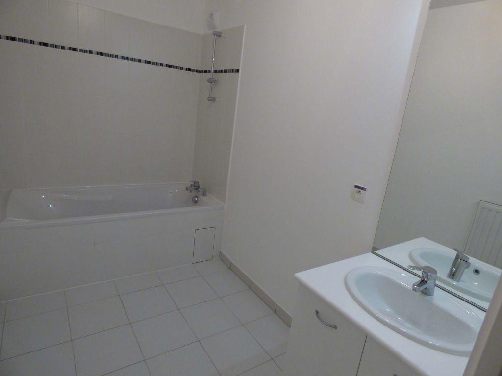 Appartement à louer 1 33m2 à Verneuil-sur-Seine vignette-5