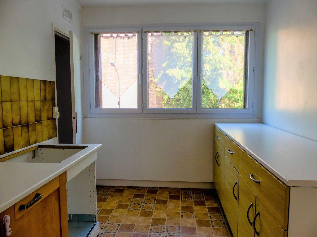 Appartement à vendre 3 58m2 à Verneuil-sur-Seine vignette-4