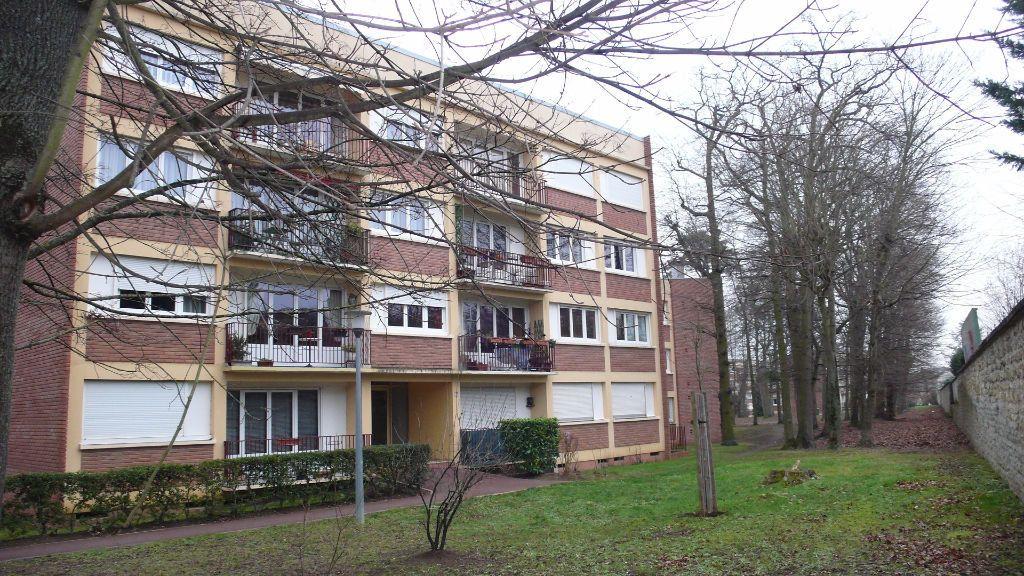 Appartement à louer 5 92.45m2 à Verneuil-sur-Seine vignette-1