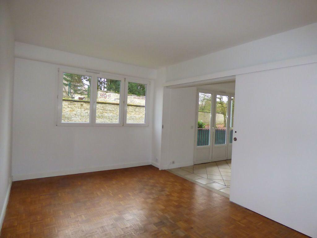 Appartement à louer 5 92.45m2 à Verneuil-sur-Seine vignette-4