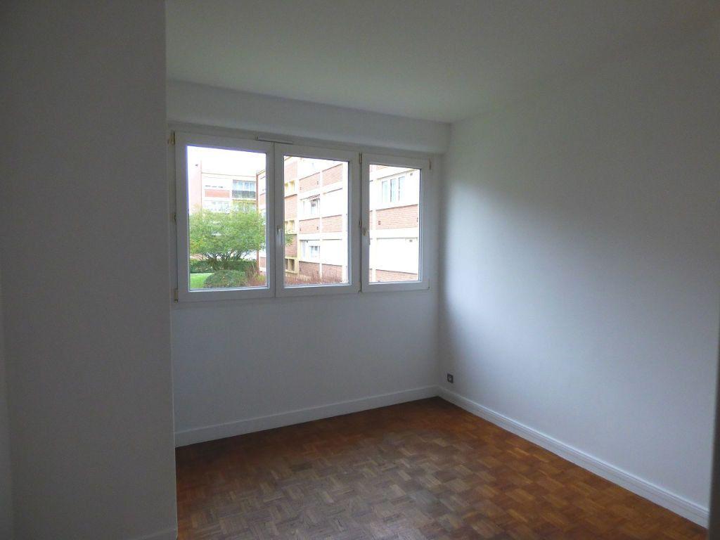 Appartement à louer 5 92.45m2 à Verneuil-sur-Seine vignette-6