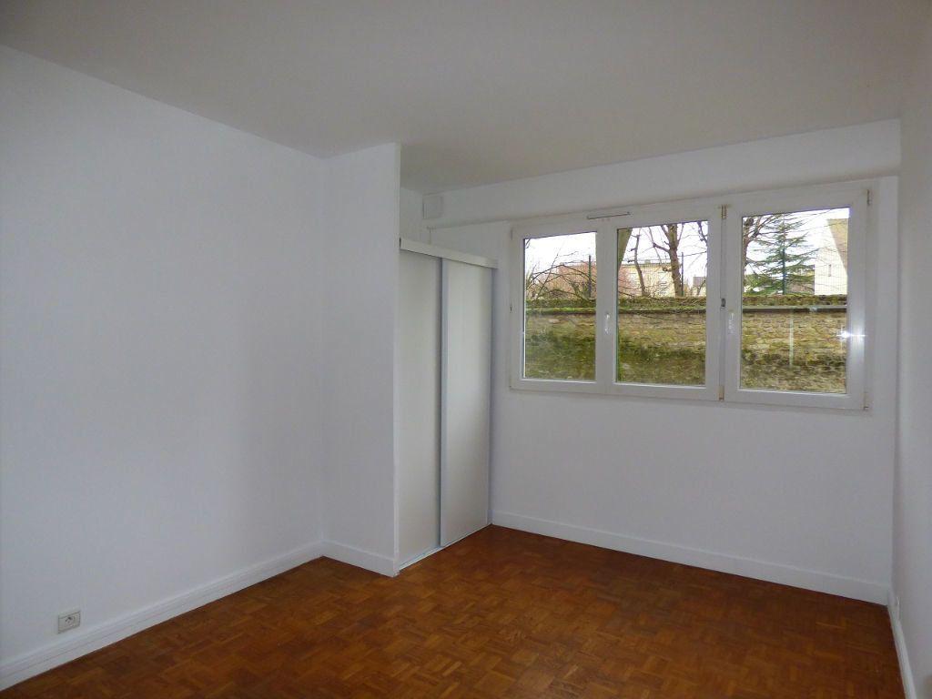 Appartement à louer 5 92.45m2 à Verneuil-sur-Seine vignette-9