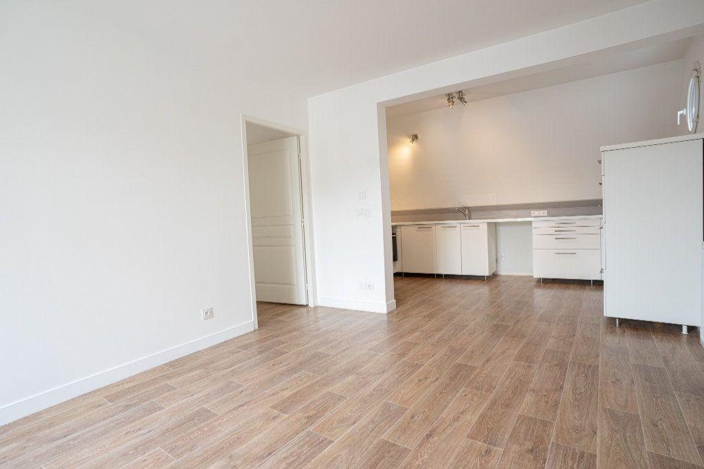 Appartement à vendre 3 50.38m2 à Verneuil-sur-Seine vignette-2