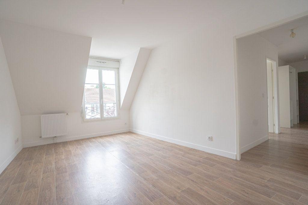 Appartement à vendre 3 50.38m2 à Verneuil-sur-Seine vignette-4