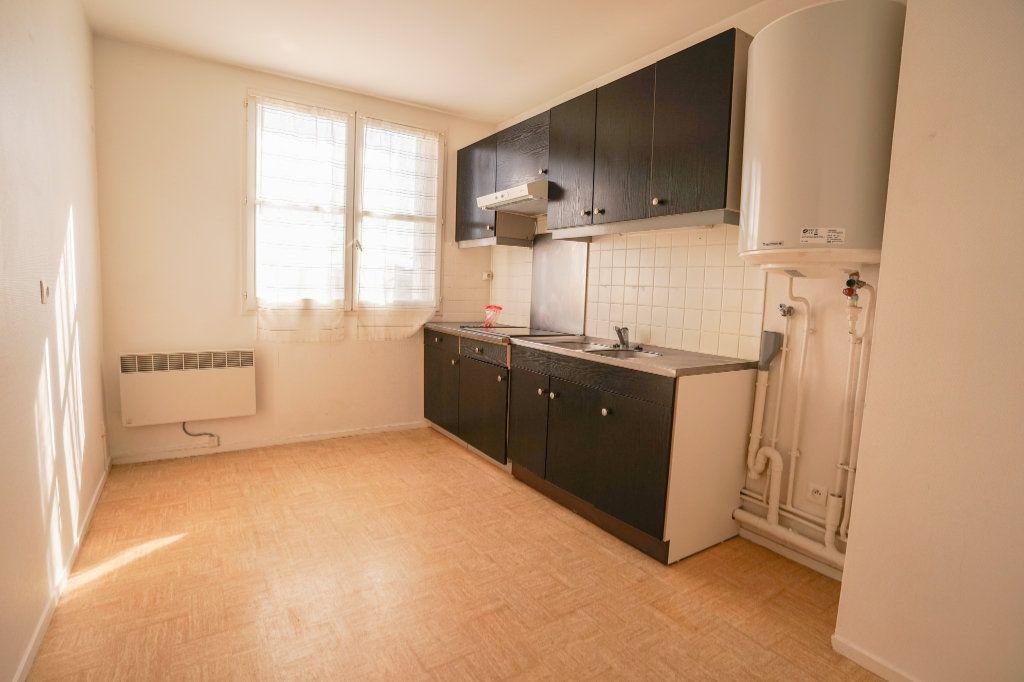 Appartement à louer 2 55.29m2 à Montigny-le-Bretonneux vignette-5