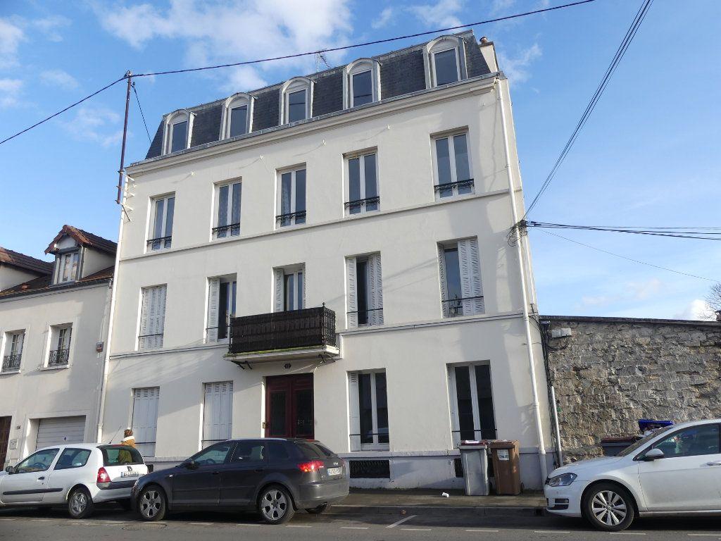 Appartement à louer 2 29m2 à Poissy vignette-1