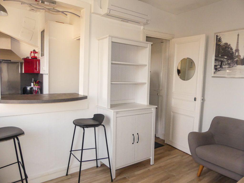 Appartement à louer 2 29m2 à Poissy vignette-2