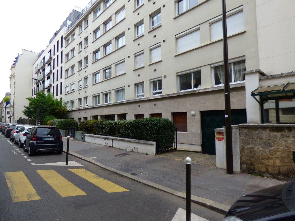 Appartement à louer 1 23.86m2 à Boulogne-Billancourt vignette-1