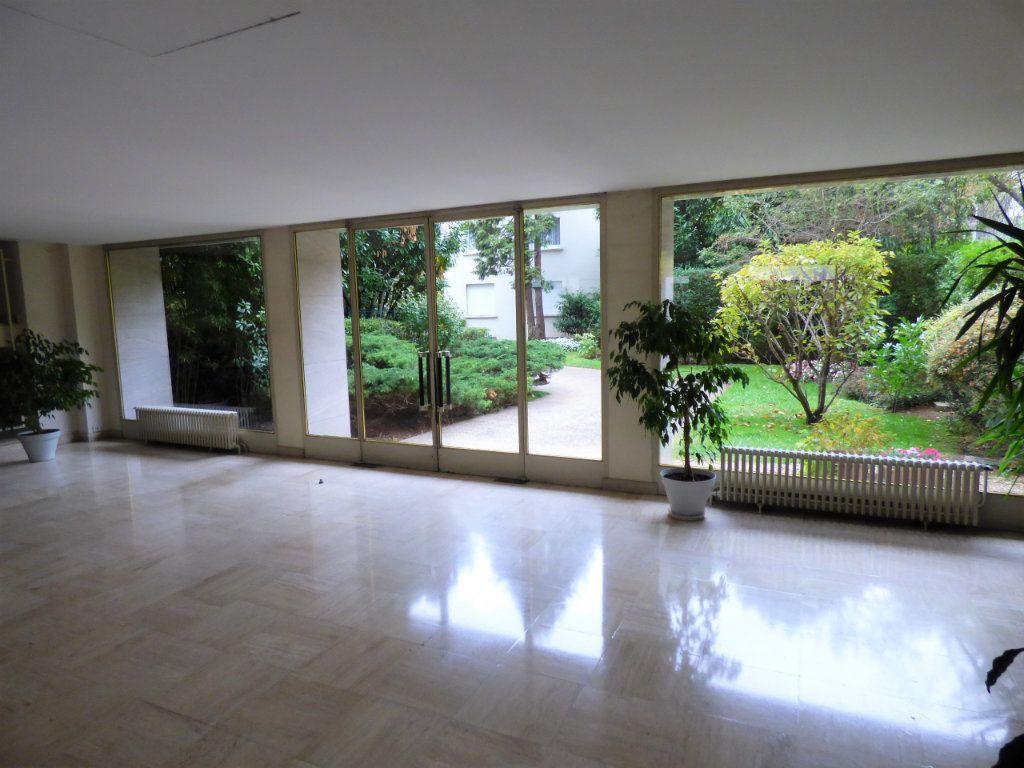 Appartement à louer 1 23.86m2 à Boulogne-Billancourt vignette-8