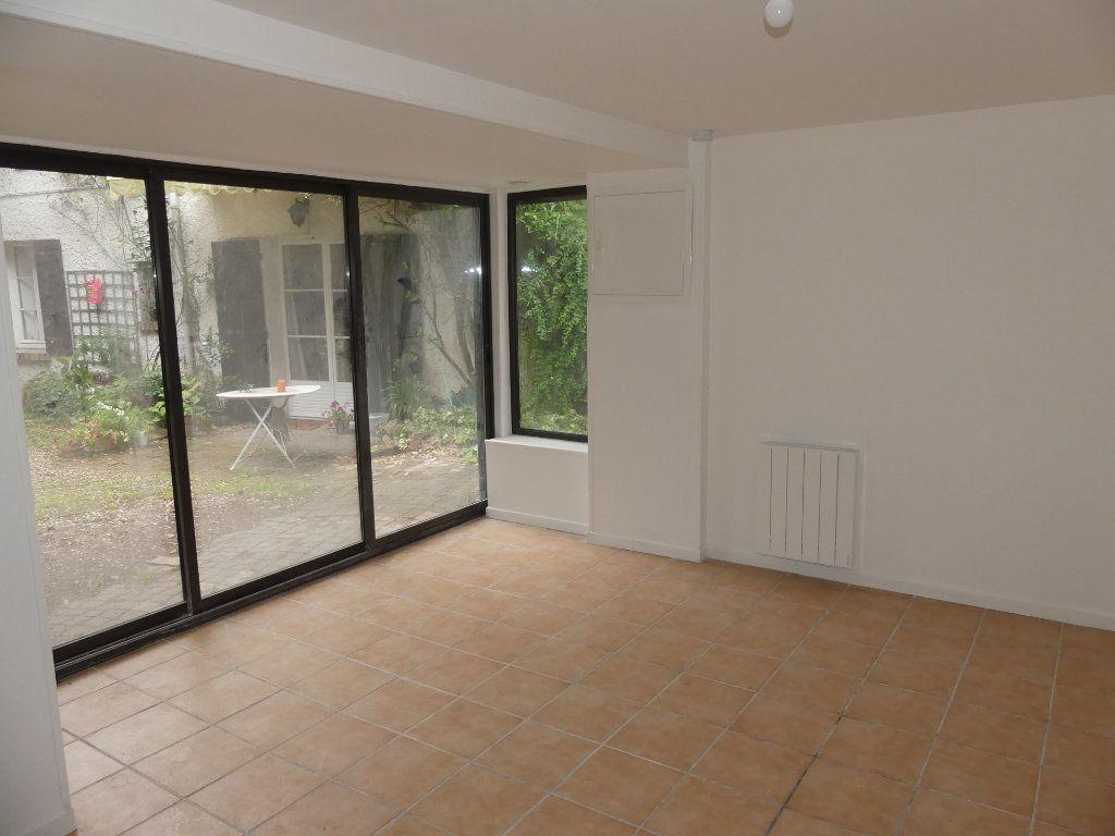 Appartement à louer 1 23.5m2 à Triel-sur-Seine vignette-2