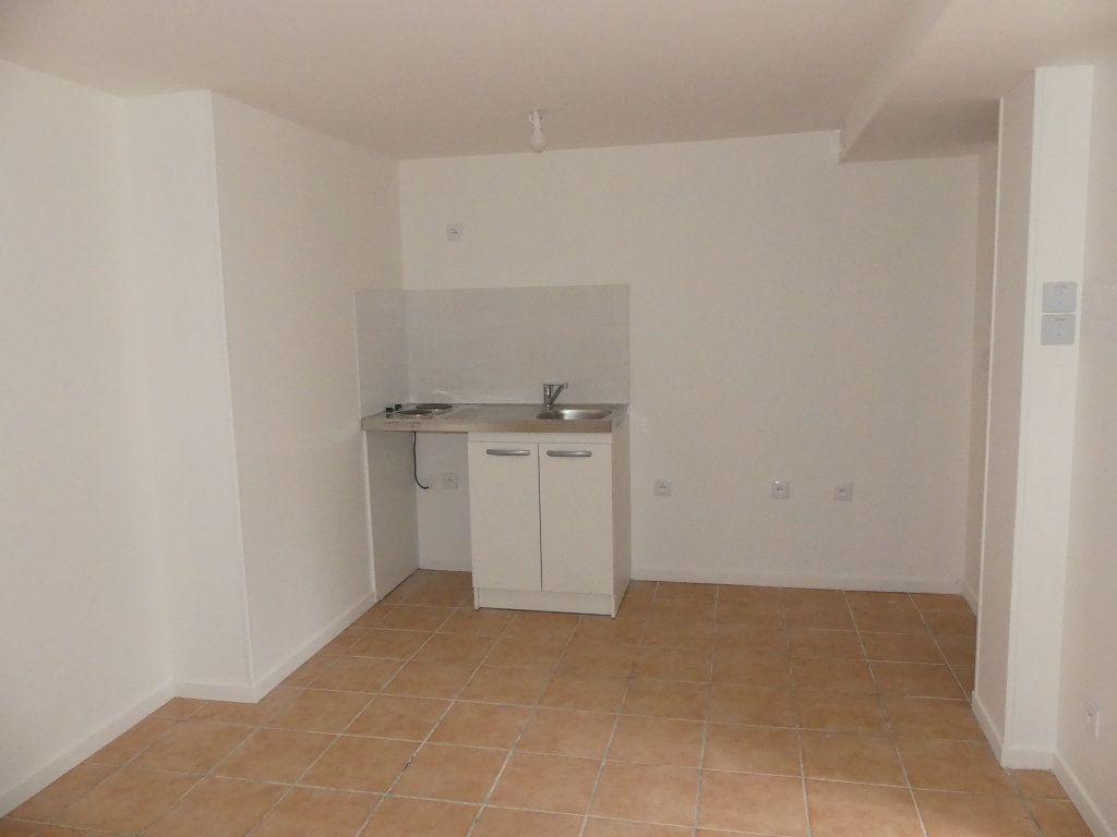 Appartement à louer 1 23.5m2 à Triel-sur-Seine vignette-3