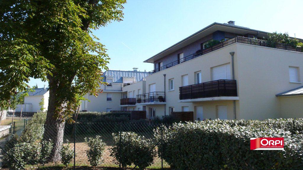 Appartement à louer 2 39.4m2 à Verneuil-sur-Seine vignette-1