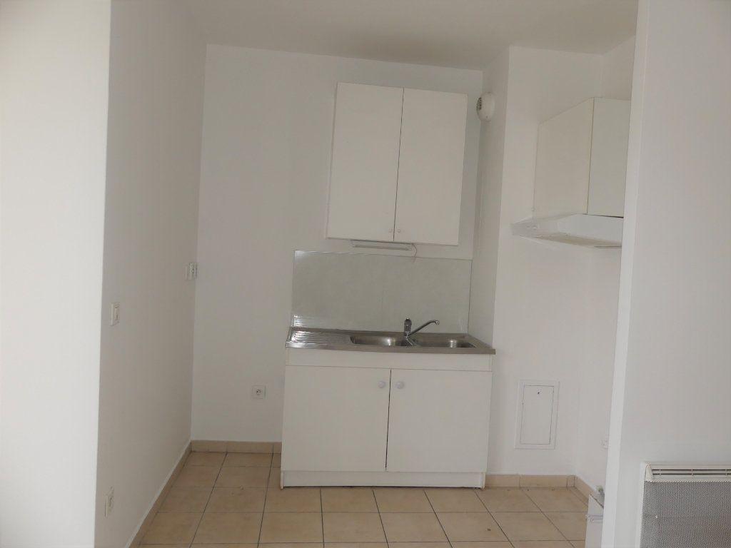 Appartement à louer 2 39.4m2 à Verneuil-sur-Seine vignette-4