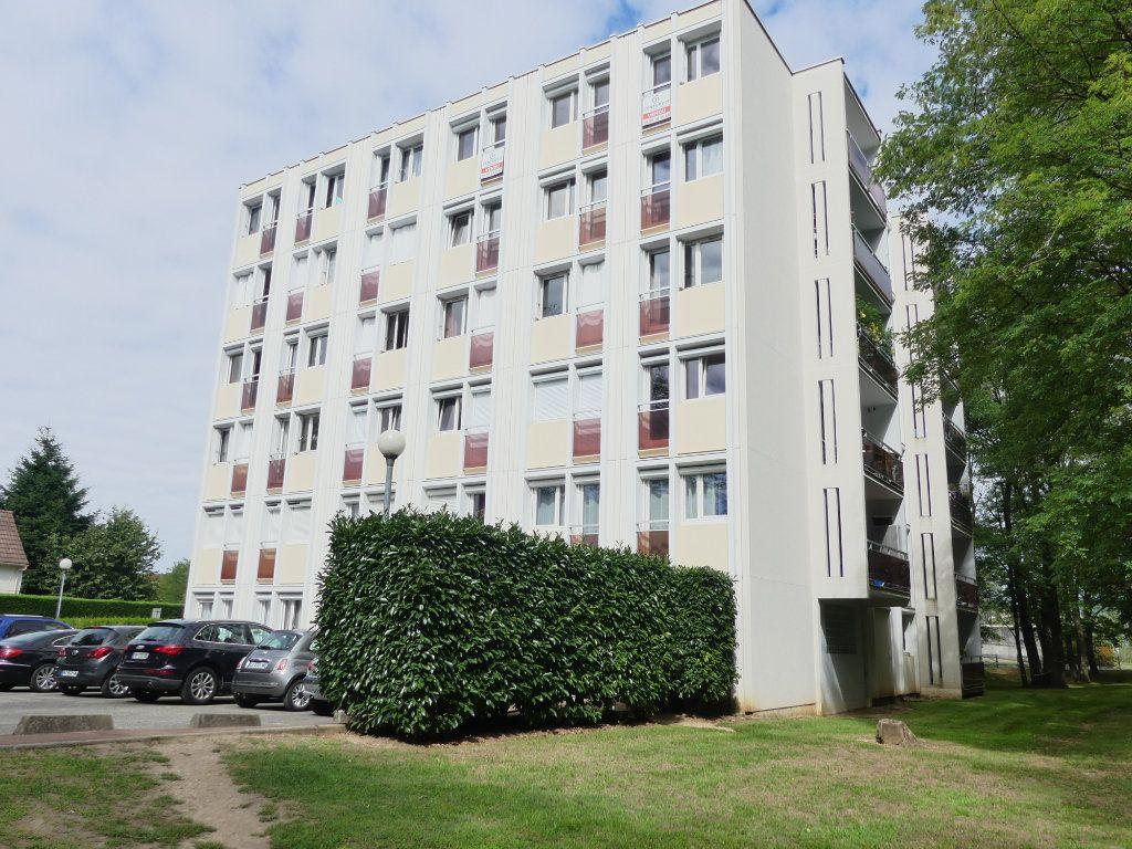 Appartement à vendre 3 75m2 à Verneuil-sur-Seine vignette-1