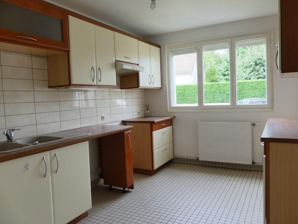 Appartement à vendre 3 75m2 à Verneuil-sur-Seine vignette-3