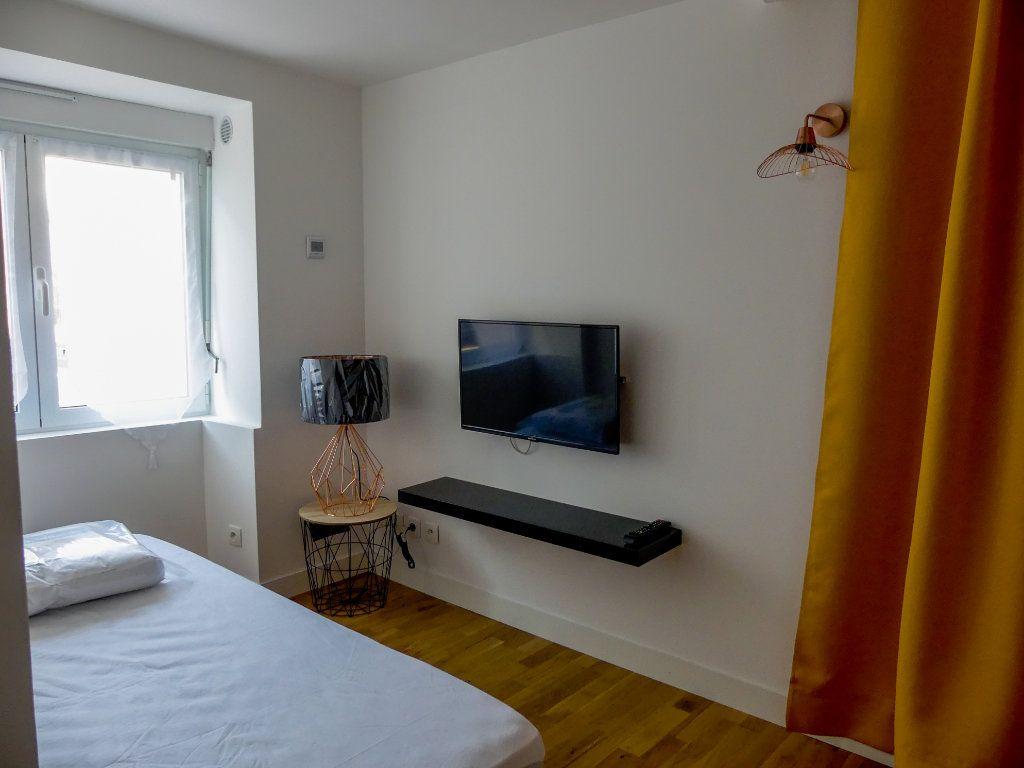 Appartement à louer 1 18.46m2 à Aubergenville vignette-2