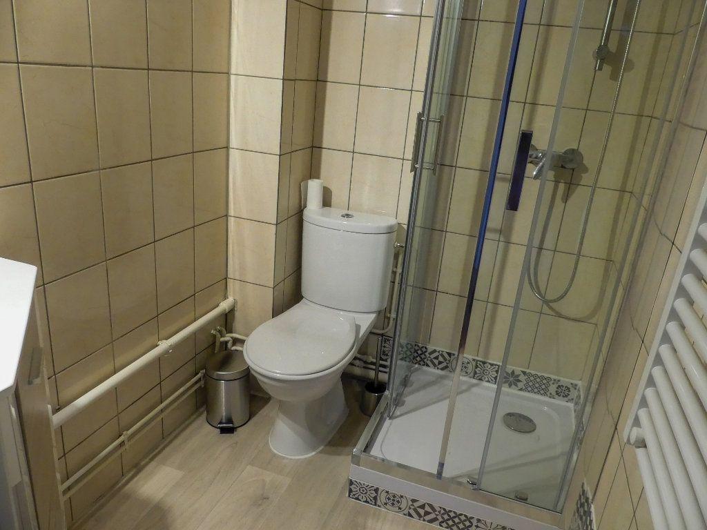 Appartement à louer 1 18.46m2 à Aubergenville vignette-3