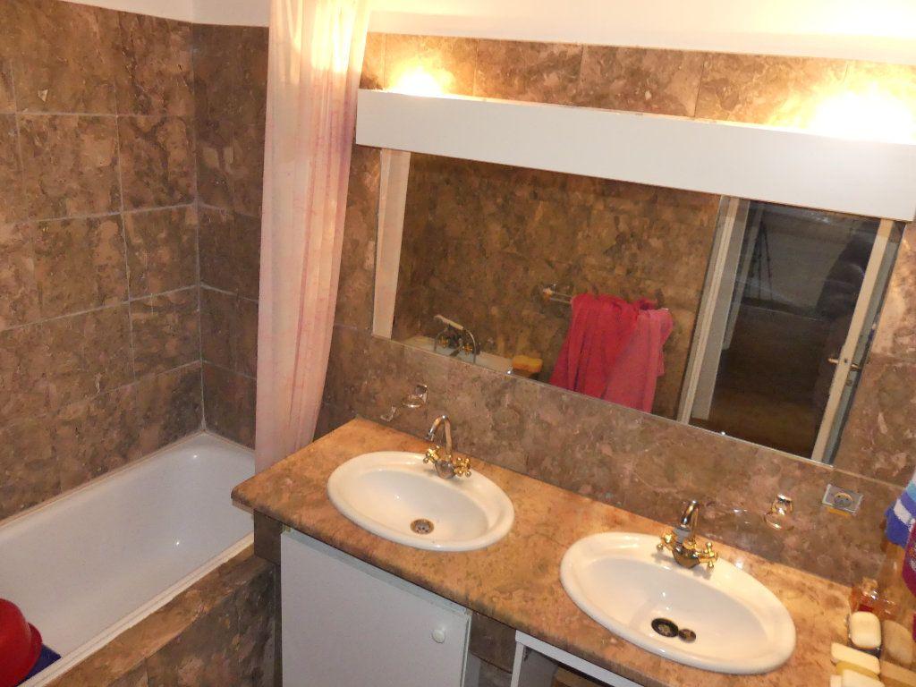 Appartement à vendre 4 97m2 à Villennes-sur-Seine vignette-10