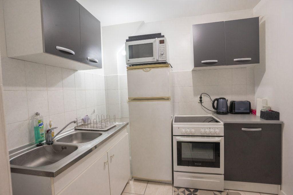Appartement à louer 3 55m2 à Chanteloup-les-Vignes vignette-4