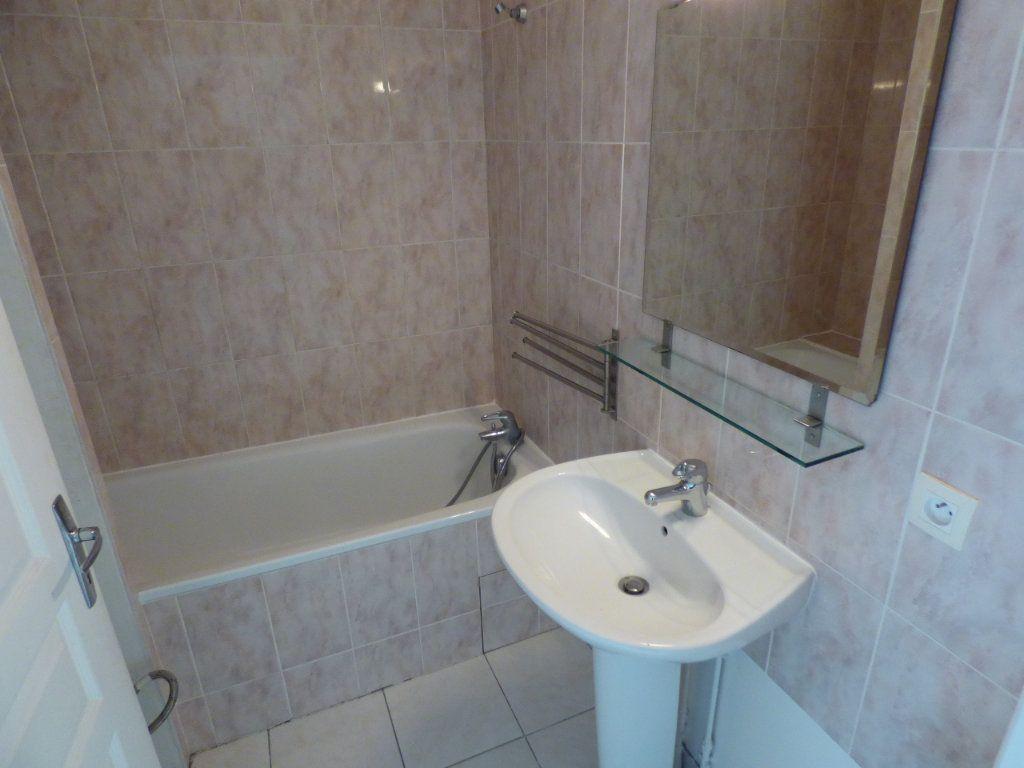 Appartement à louer 3 55m2 à Chanteloup-les-Vignes vignette-7