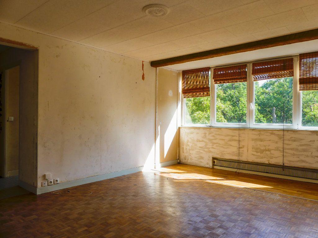 Appartement à vendre 4 69m2 à Verneuil-sur-Seine vignette-1
