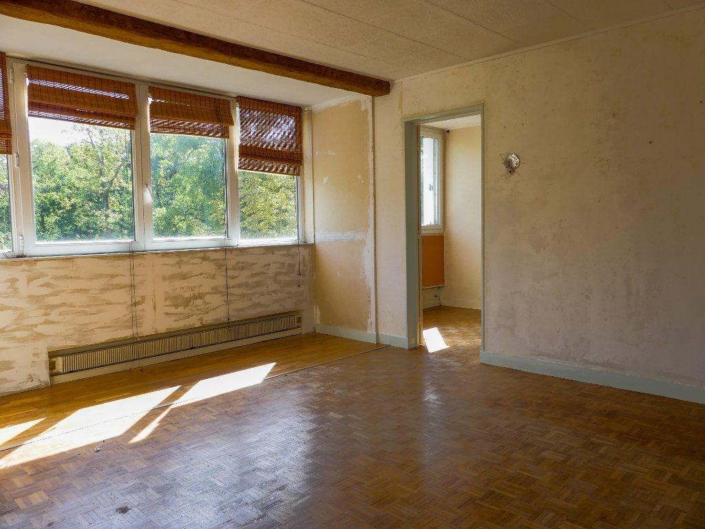 Appartement à vendre 4 69m2 à Verneuil-sur-Seine vignette-2