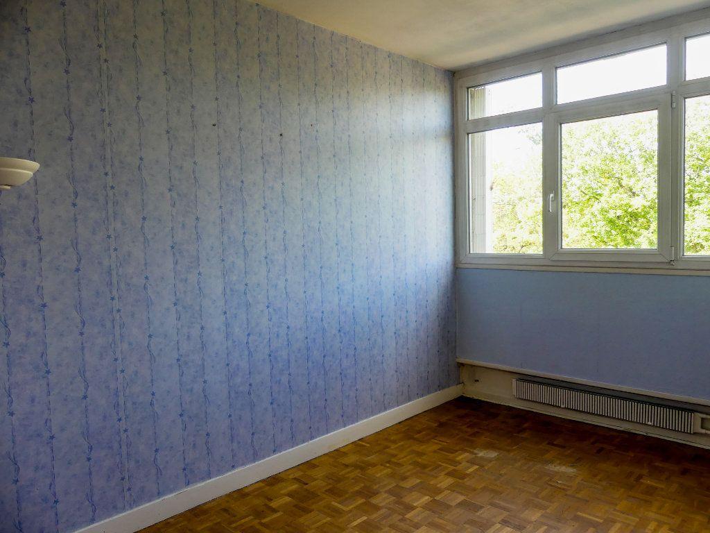Appartement à vendre 4 69m2 à Verneuil-sur-Seine vignette-4