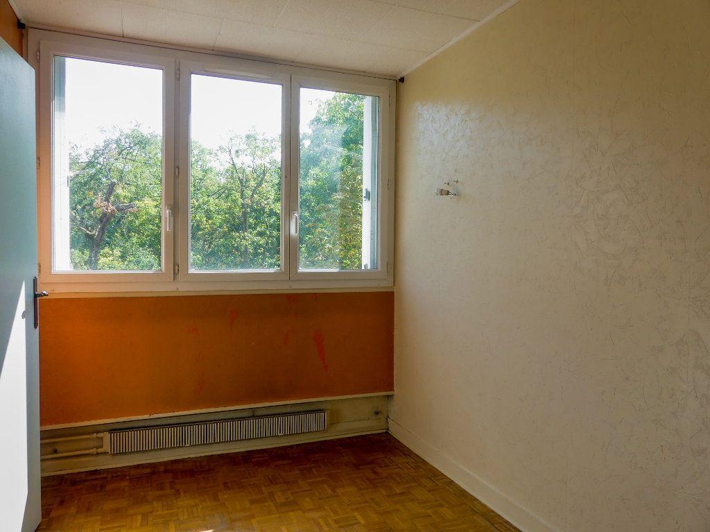 Appartement à vendre 4 69m2 à Verneuil-sur-Seine vignette-5