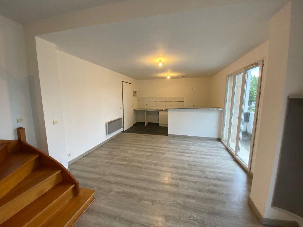 Appartement à vendre 2 49.22m2 à Chelles vignette-2