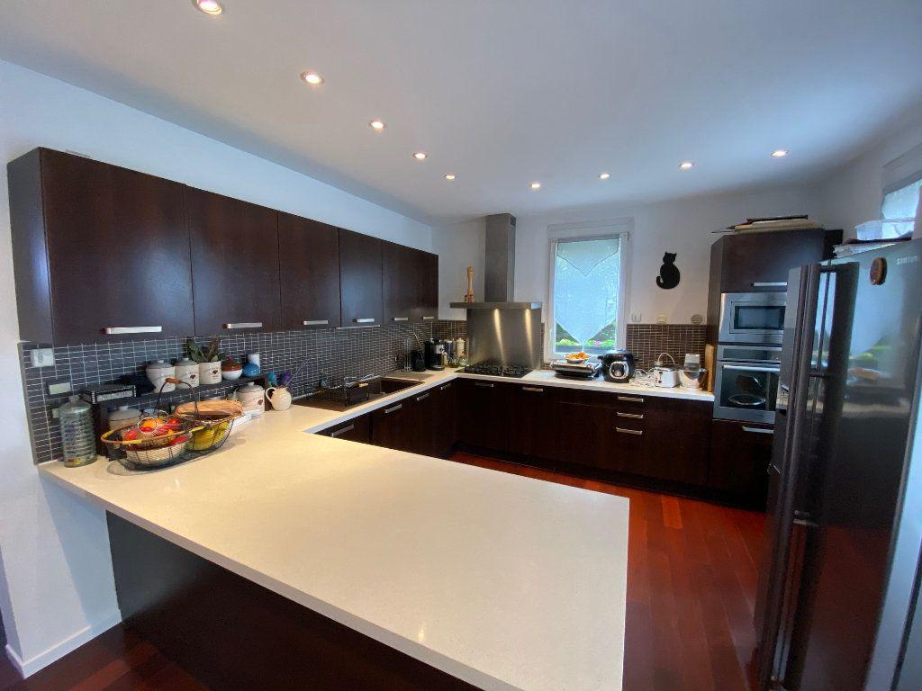 Maison à vendre 6 146m2 à Chelles vignette-3