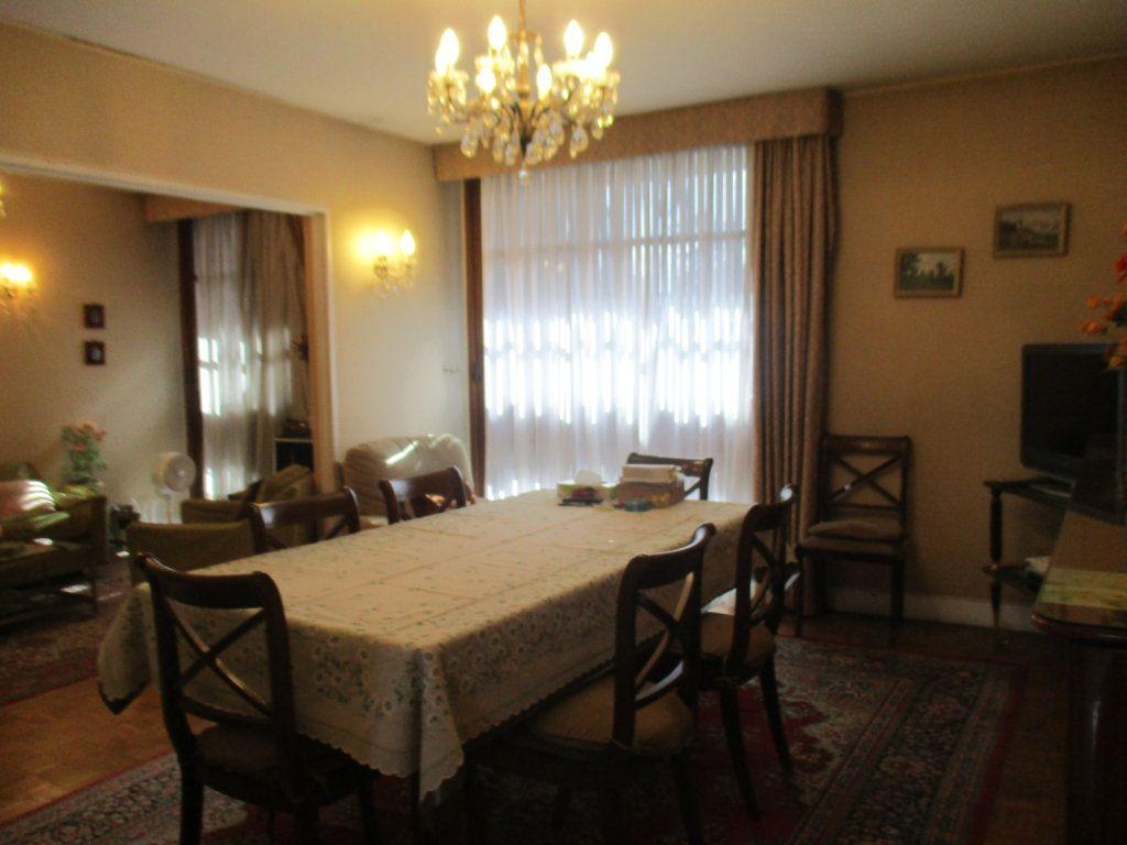 Appartement à vendre 5 91.75m2 à Saint-Cyr-l'École vignette-3