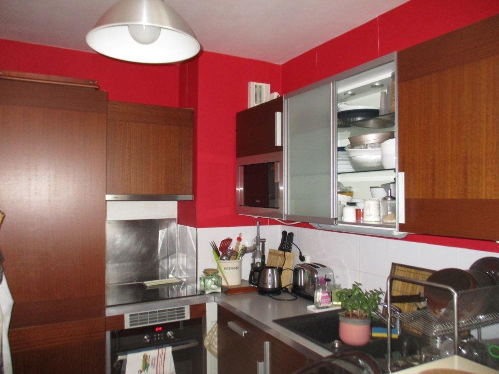 Appartement à vendre 3 66m2 à Saint-Cyr-l'École vignette-2