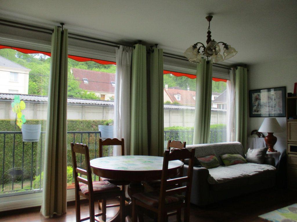 Appartement à vendre 4 73.87m2 à Saint-Cyr-l'École vignette-1
