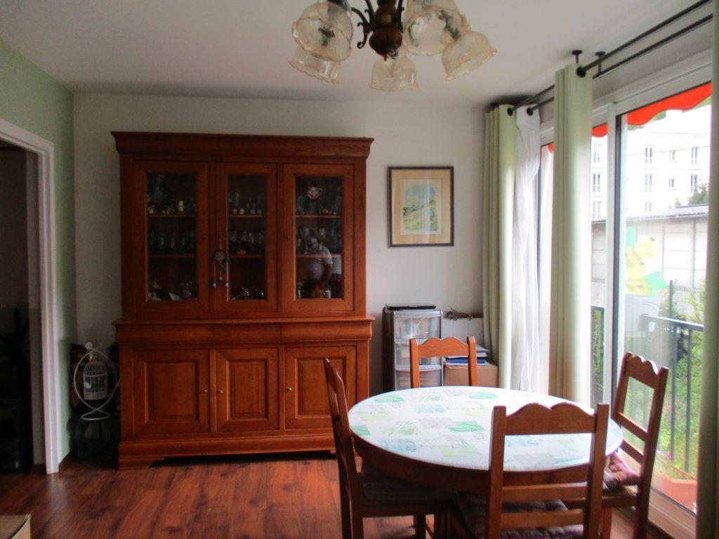 Appartement à vendre 4 73.87m2 à Saint-Cyr-l'École vignette-2