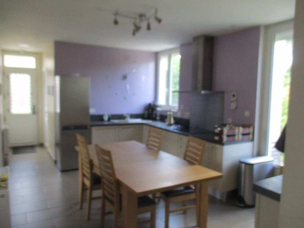Maison à louer 5 106m2 à Saint-Cyr-l'École vignette-2