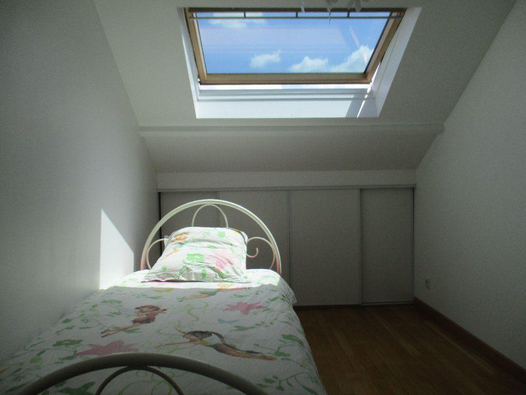 Maison à louer 5 106m2 à Saint-Cyr-l'École vignette-7