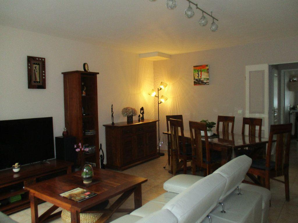 Maison à vendre 6 110m2 à Saint-Cyr-l'École vignette-2