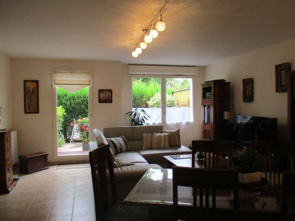 Maison à vendre 6 110m2 à Saint-Cyr-l'École vignette-3