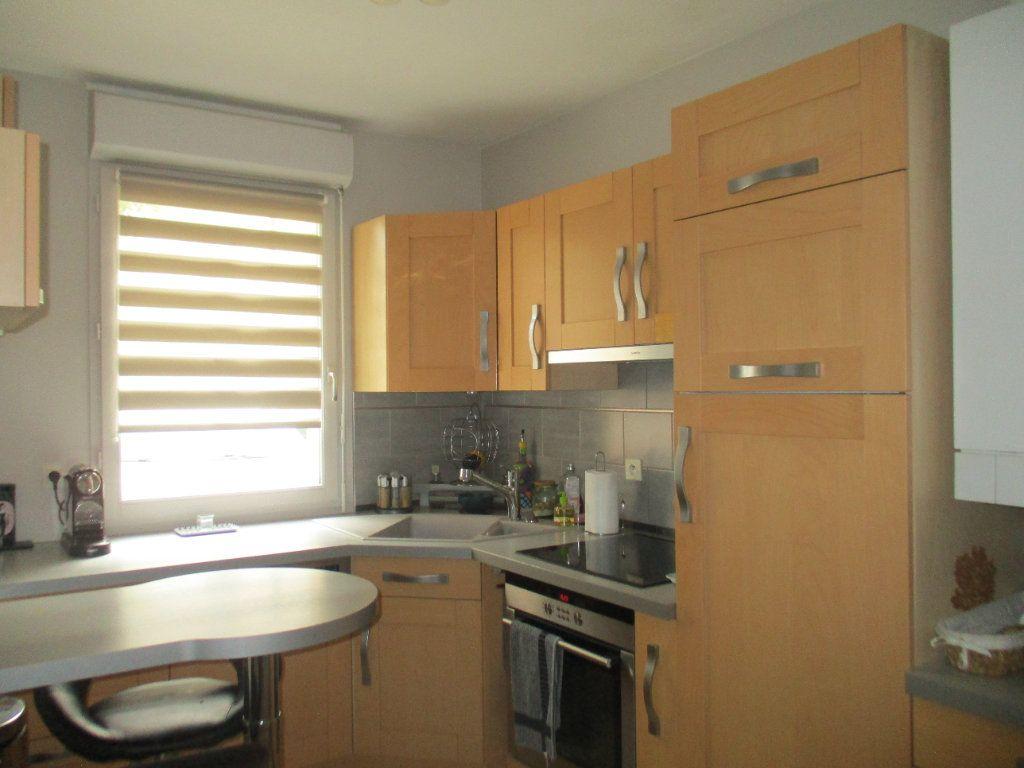 Maison à vendre 6 110m2 à Saint-Cyr-l'École vignette-4