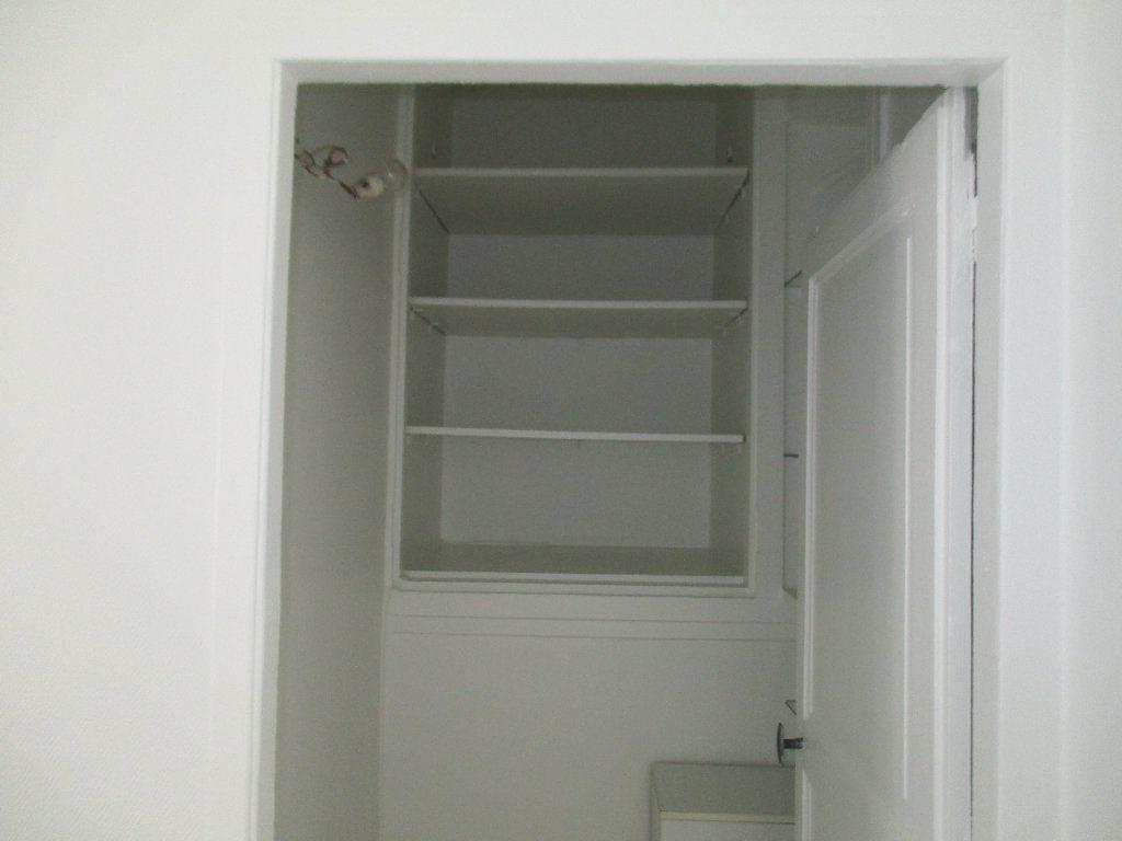 Appartement à louer 3 71.55m2 à Saint-Cyr-l'École vignette-4
