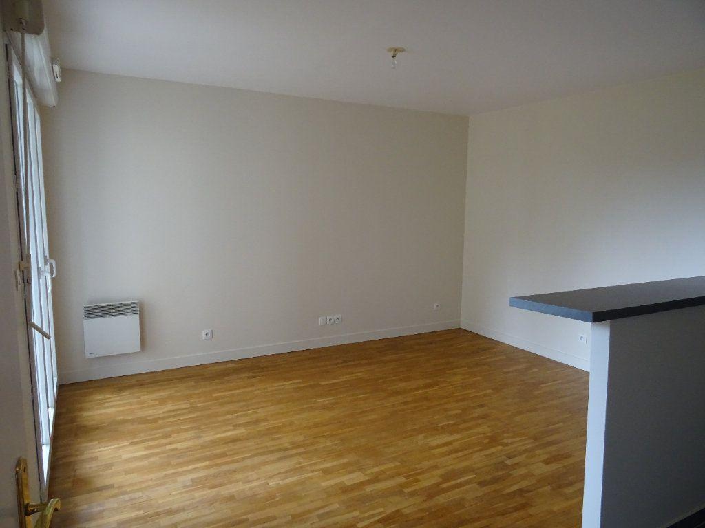 Appartement à louer 2 39.3m2 à Montévrain vignette-4