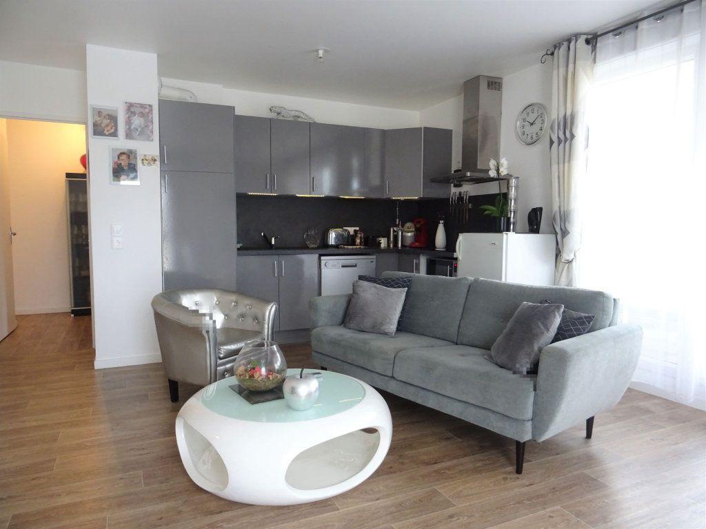 Appartement à louer 4 77.42m2 à Esbly vignette-1