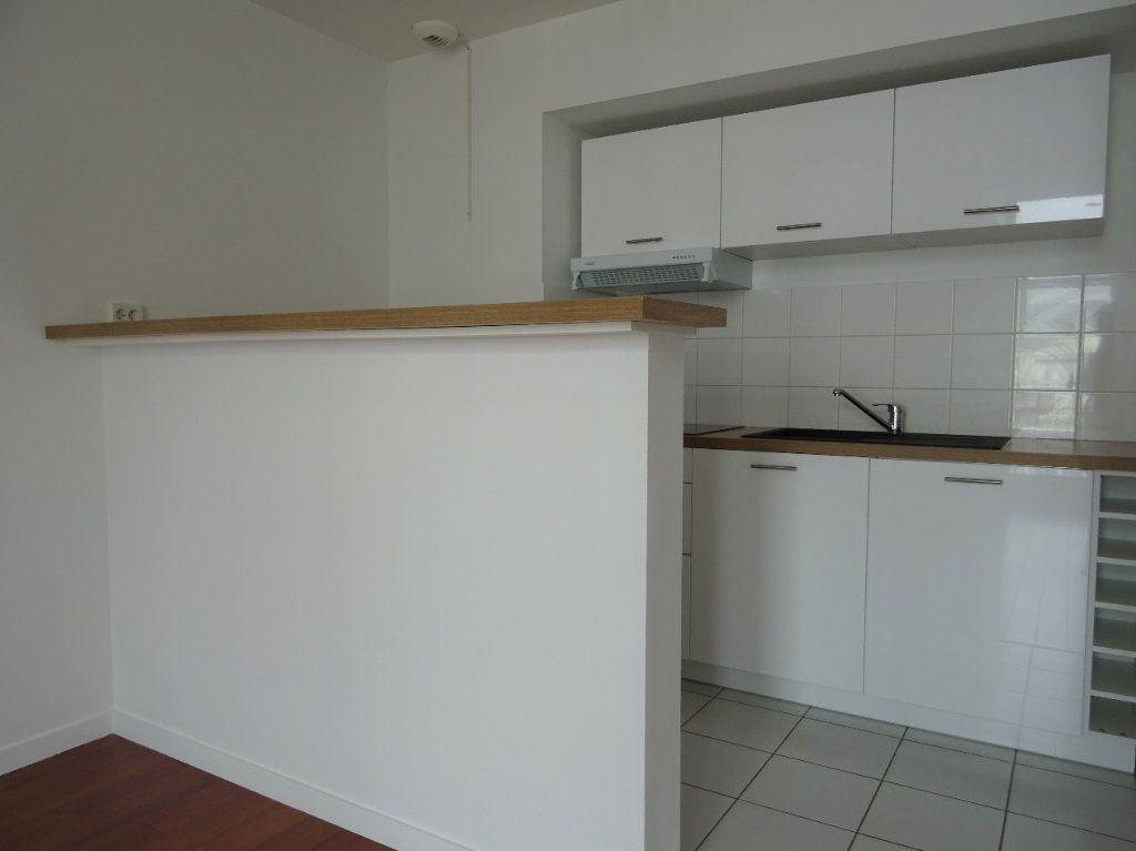 Appartement à louer 2 40.87m2 à Meaux vignette-3