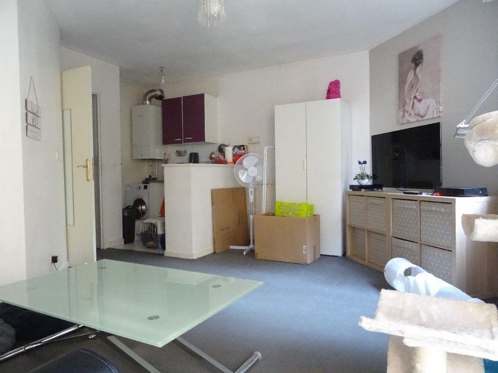 Appartement à louer 1 26.33m2 à Meaux vignette-2