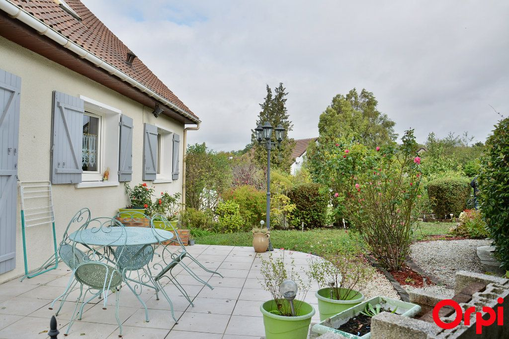 Maison à vendre 6 140m2 à Condé-Sainte-Libiaire vignette-1