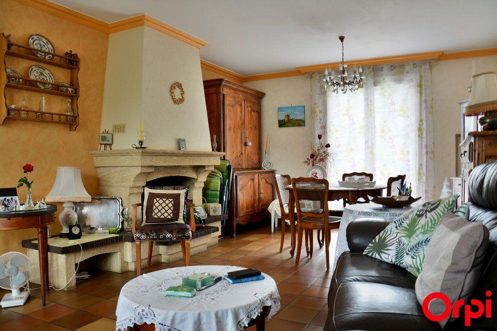Maison à vendre 6 140m2 à Condé-Sainte-Libiaire vignette-3