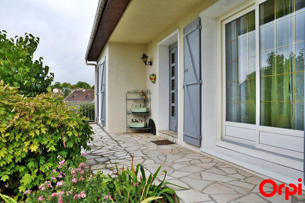 Maison à vendre 6 140m2 à Condé-Sainte-Libiaire vignette-9