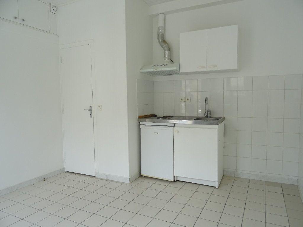 Appartement à louer 1 15m2 à Esbly vignette-2