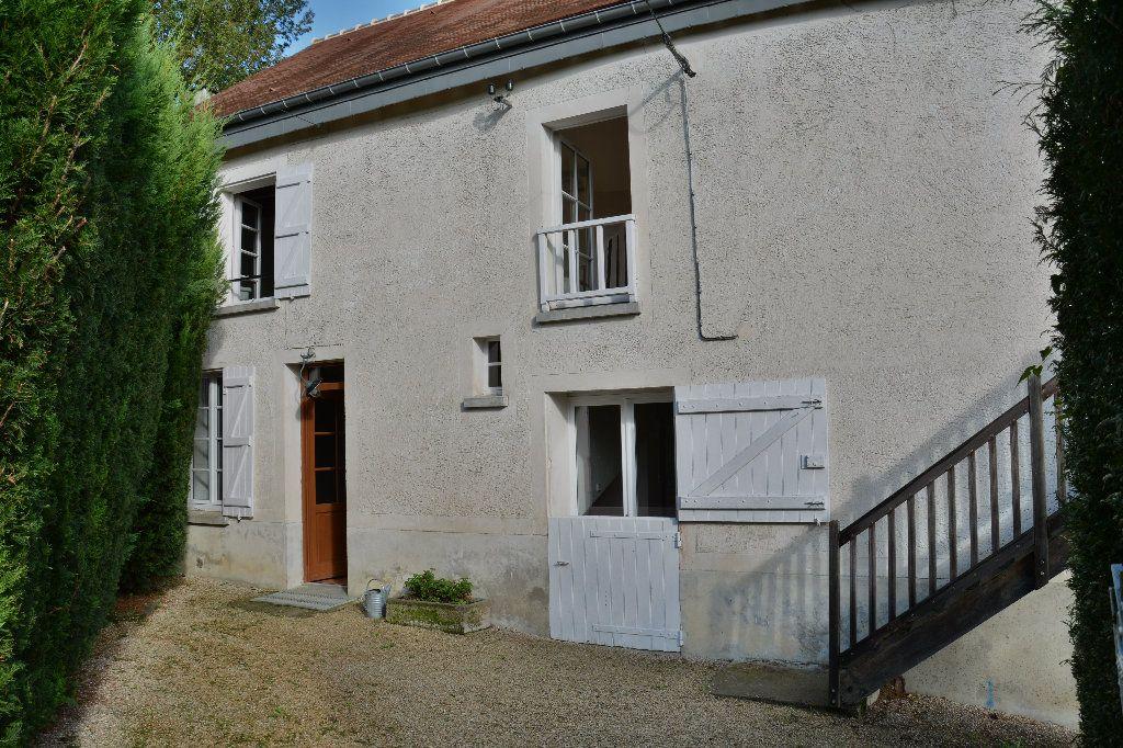 Maison à louer 4 116.98m2 à Tigeaux vignette-3